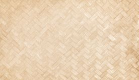 Traditionellt handcraft bambu vävd textur, naturträmodeller för bakgrund royaltyfria foton