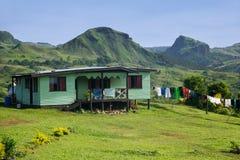 Traditionellt hus av den Navala byn, Viti Levu, Fiji royaltyfri fotografi