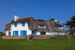 Traditionellt hus i Brittany Royaltyfri Fotografi