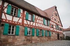 Traditionellt hus i den tyska stilen i Bayern Arkitekturen av hus i Tyskland Arkivbilder