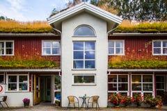 Traditionellt hus i Norge Arkivbild