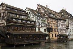 Traditionellt hus i strasbourg Royaltyfria Bilder