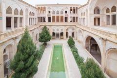 Traditionellt hus Khan-e Abbasian i Kashan, Iran Royaltyfri Fotografi
