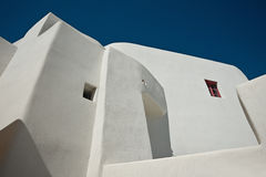 Traditionellt hus på den Emporio byn av Santorini Royaltyfri Bild
