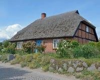 Traditionellt hus, Ruegen ö, Östersjön, Tyskland Arkivbilder