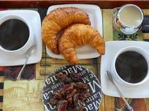 Traditionellt kaffe för franskafrukostgiffel Royaltyfria Bilder