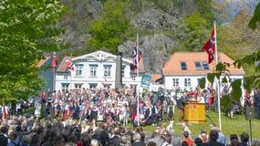 Traditionellt klädde deltagare av berömmen på Maj 17 Arkivbild