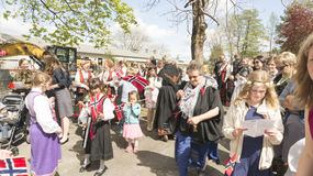 Traditionellt klädde deltagare av berömmen på Maj 17 Royaltyfria Foton