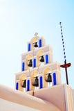 Traditionellt Klocka torn i Santorini, Grekland Royaltyfria Foton