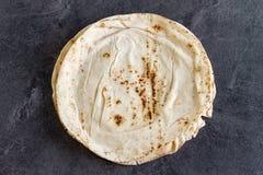 Traditionellt libaneslägenhetbröd arkivfoton