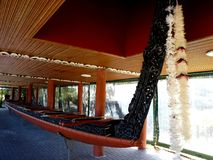 Traditionellt Maori Wooden snidit skepp Nya Zeeland Arkivbild