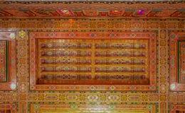 Traditionellt marockanskt snidit tak Royaltyfri Fotografi