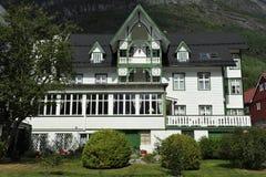Traditionellt norskt hotell Arkivfoto