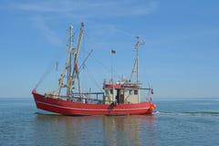 Traditionellt räkafartyg, Nordsjön, Schleswig-Holstein, Tyskland Royaltyfri Fotografi