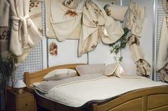 traditionellt sovrum Arkivbilder