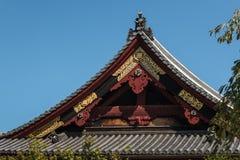 Traditionellt tak för Shintorelikskrin Royaltyfria Bilder