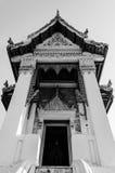 Traditionellt thailändskt utformar buddist Arkivbilder