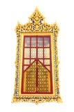 Traditionellt thailändskt utformar det kyrkliga fönstret Arkivbilder