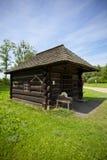 Traditionellt trähovslagarehus Royaltyfri Foto