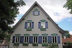 Traditionellt tyskt hus i gammal stad Fotografering för Bildbyråer