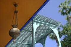 Traditionmarokkaner house&lamp   Stockfotografie