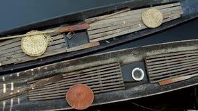 Traditionnal fartyg av fiskaren i Inle sjön med hattar lager videofilmer