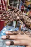 Traditions de henné en tant qu'art de tatouage de corps Images libres de droits