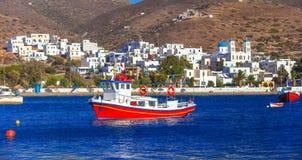 Traditonal łodzie rybackie w Katapola porcie, Amargos wyspa, Grecja fotografia royalty free