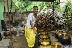 Traditonal Prepration de la comida en Himachal Dham Fotos de archivo