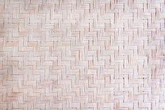 Tradizionale handcraft la struttura tessuta a lamella secca della stuoia, modelli della natura su fondo fotografia stock libera da diritti