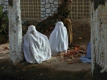 TRADIZIONE DI ISLAM DELLE DONNE BURQA AFGHANISTAN immagini stock libere da diritti