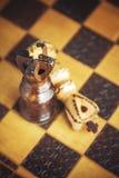 Tradycja szachy drewniane postacie Zdjęcia Royalty Free