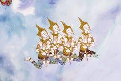 Tradycja Tajlandzki obraz na Wata hongtong ścianie przy Samutprakan prowincją Tajlandia. Świątynny otwiera społeczeństwo zegarek.  fotografia stock