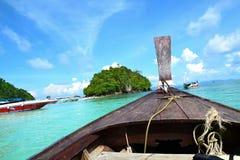Tradycyjna łódź przy Krabi fotografia stock