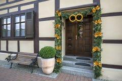 Drewniany Drzwi Z A Na Statku Wycieczkowym Zdjęcie Stock Obraz