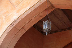 Tradycyjna antyczna lampa w Agra forcie Zdjęcie Stock