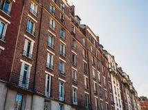 Tradycyjna architektura budynki mieszkalni Paris france Zdjęcia Royalty Free