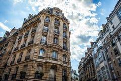 Tradycyjna architektura budynki mieszkalni Paris france Obrazy Stock