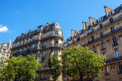 Tradycyjna architektura budynki mieszkalni Paris france Zdjęcie Royalty Free