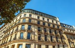Tradycyjna architektura budynki mieszkalni Paris france Obraz Royalty Free
