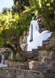 Tradycyjna biała grecka kaplica w Agios Nikolaos Crete Zdjęcie Royalty Free