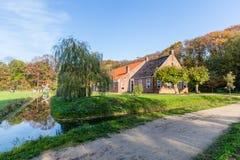 Tradycyjna Holenderska dom wiejski scena zdjęcia royalty free