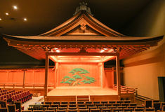 Tradycyjna japończyka Kabuki Noh Theatre scena z dekoracją Zdjęcie Royalty Free
