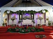 Tradycyjna Jawajska bridal dekoracja z różnorodnym ornamentem obraz stock