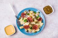 Tradycyjna kartoflana sałatka obrazy stock
