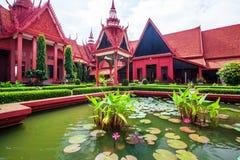 Tradycyjna Khmer architektura i piękny podwórze Na obrazy stock