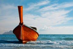 Tradycyjna longtail łódź przy Andaman morzem Obraz Royalty Free