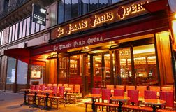Tradycyjna paryżanin Kawiarni Le Relais Paryska opera lokalizował blisko opera pałac Garnier w Paryż, Francja Obraz Stock