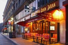 Tradycyjna paryżanin Kawiarni Le Relais Paryska opera lokalizował blisko opera pałac Garnier w Paryż, Francja Fotografia Stock
