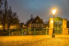 Tradycyjna połówka cembrujący domy Mały Francja fotografia royalty free